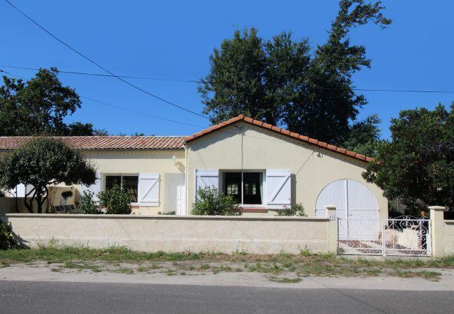 Maison à Andernos-les-Bains - Maison 2 chambres à deux pas de la plage du Betey