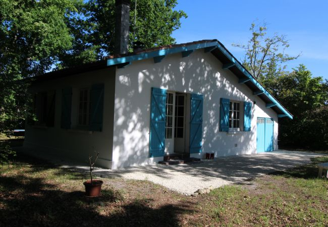 Maison à Andernos-les-Bains - Maison 2 chambres avec grand jardin arboré