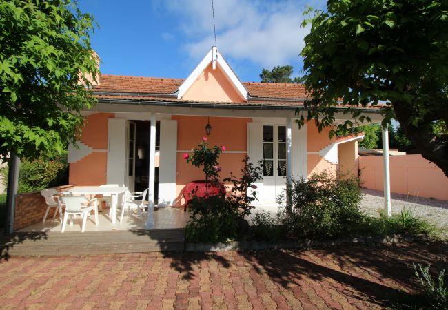 Maison à Andernos-les-Bains - Maison 6 pers jardin clôturé à 300m de la plage