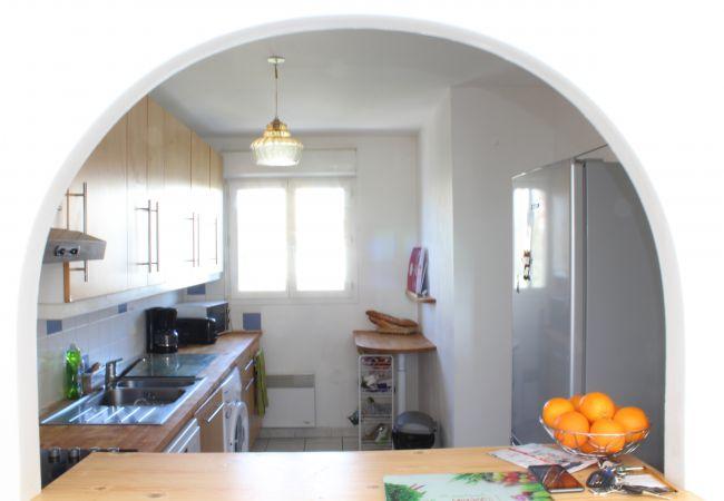 Maison mitoyenne à Arès - Maison 6 couchages quartier résidentiel