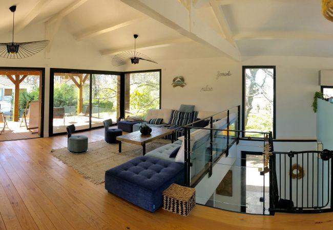 à Arès - Magnifique villa 2e ligne vue mer 4 chambres